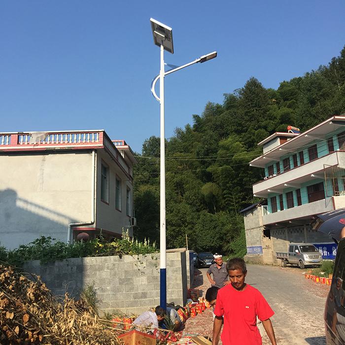 太阳能路灯 太阳能路灯厂家 南德太阳能