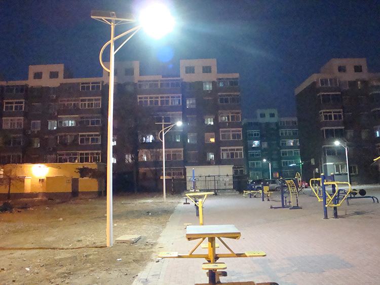 公园太阳能路灯_南德太阳能路灯_太阳能路灯生产厂家