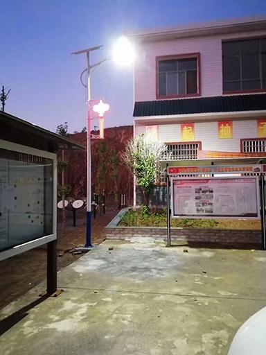 山西136盏40W太阳能路灯照亮牛庄的夜