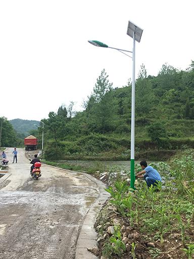 贵州省铜仁市万山区高楼坪黄家寨太阳能路灯工程案例