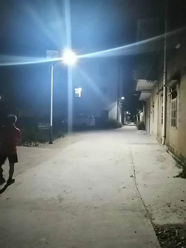 广东茂名沙琅镇水心第一村鹿马岗村农村太阳能路灯安裝