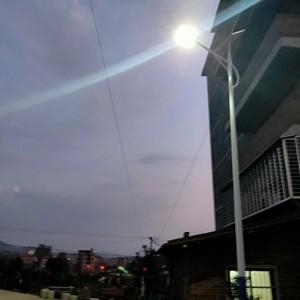 农村太阳能路灯在福建省泉州市安溪县已组装结束