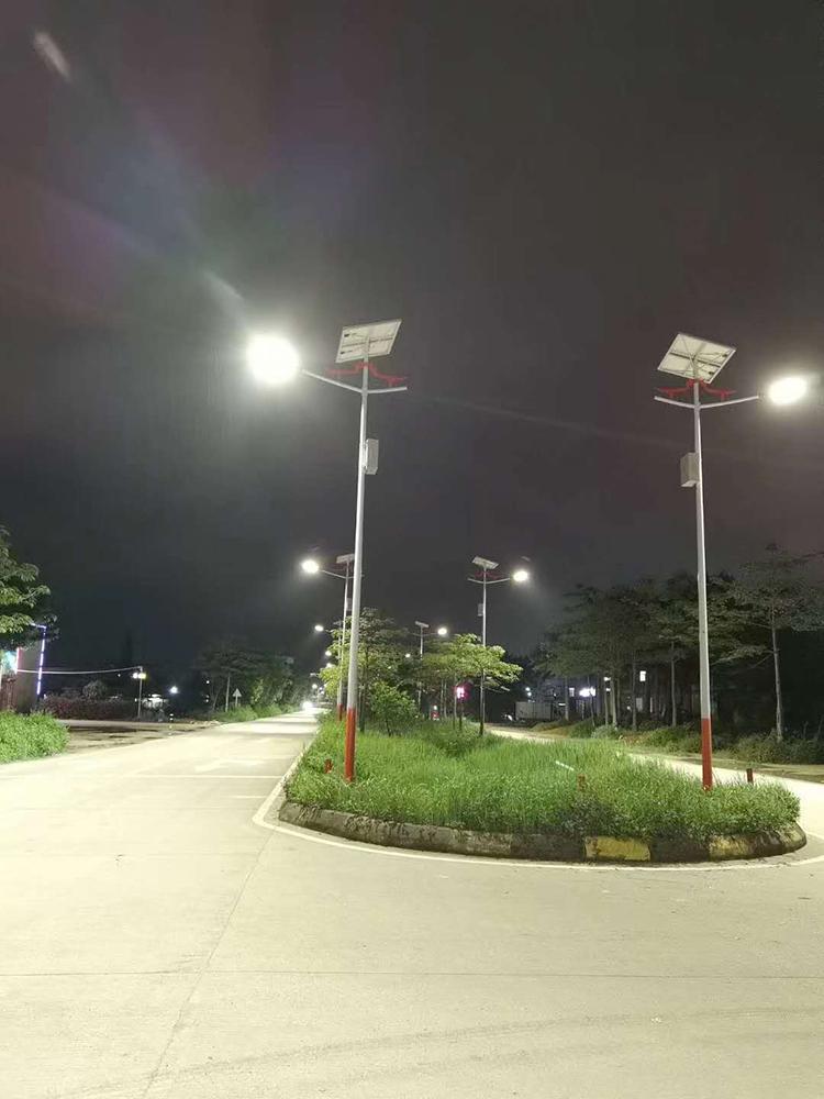 广东太阳能路灯_8米太阳能路灯_双头太阳能路灯
