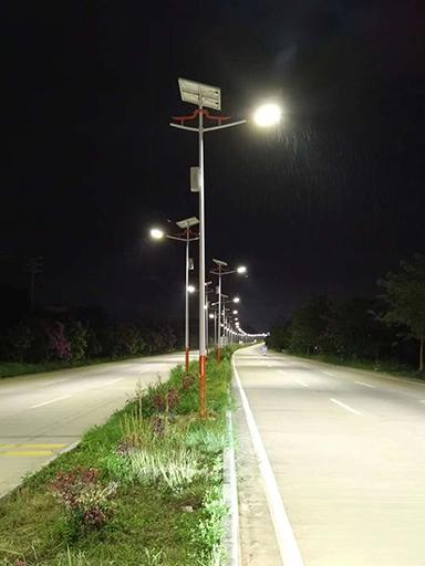 广东省潮州市8米双头太阳能路灯工程