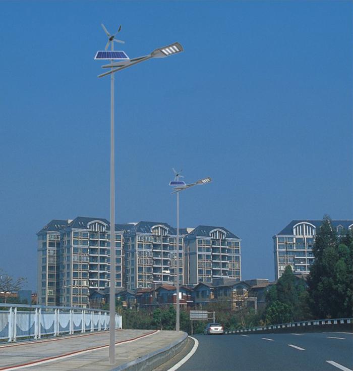 太阳能路灯 太阳能风光互补路灯 南德太阳能路灯厂家