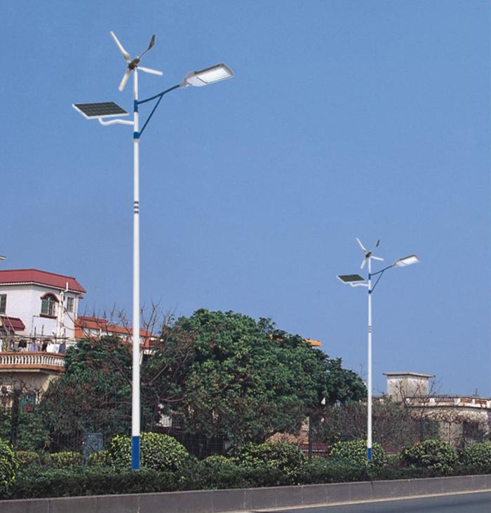 太阳能道路灯 风能太阳能路灯 南德太阳能路灯厂家