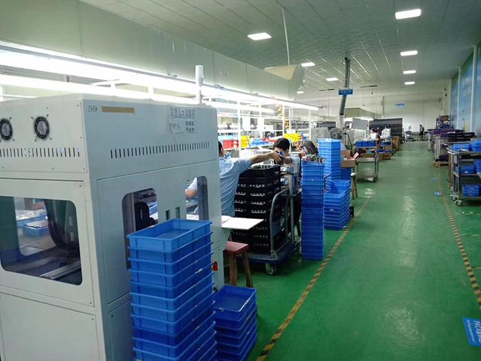 中山市南德太阳能路灯生产厂家 锂电池工厂