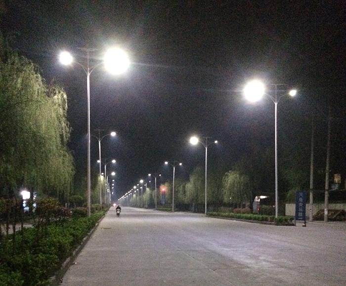 太阳能道路灯 太阳能路灯厂家 南德太阳能