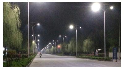 河南郑州6米太阳能道路灯