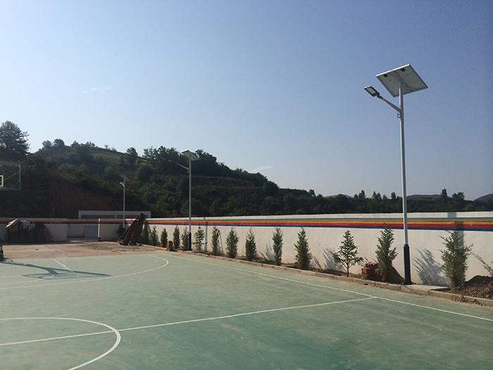 球场太阳能路灯