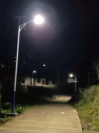 """广西隆林太阳能路灯,""""照亮""""乡村脱贫致富路"""