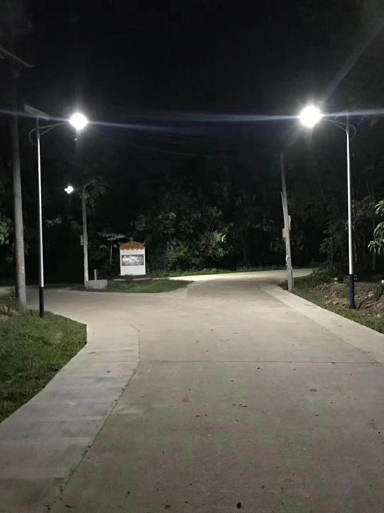 新农村太阳能路灯_太阳能LED路灯_南德太阳能路灯厂家