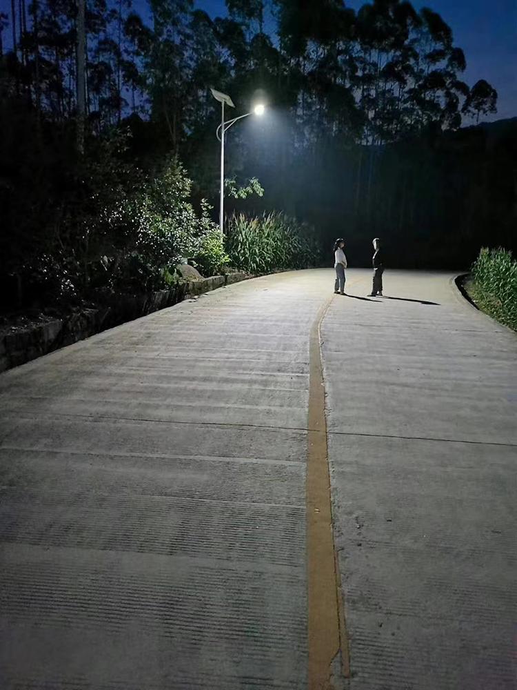 农村太阳能路灯_太阳能led路灯_led太阳能路灯