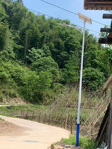 湖南衡阳市祁东县第二中学6米LED太阳能路灯