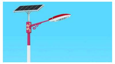 农村太阳能路灯让农村的夜里完全会亮起來