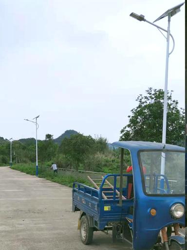 广东省清远市英德市新农村太阳能路灯