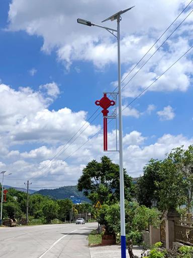 广东梅州市兴宁市安装6米太阳能路灯工程
