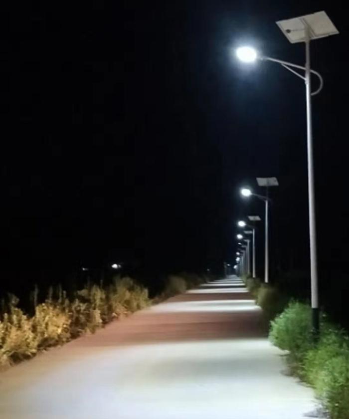 广西太阳能路灯 太阳能路灯厂家 南德太阳能