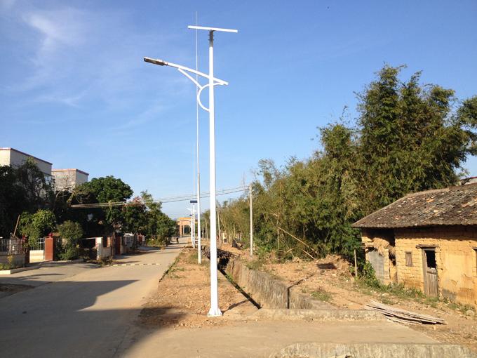 太阳能马路灯 太阳能道路灯 南德太阳能灯饰有限公司