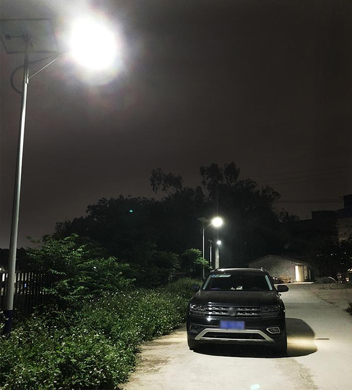 300瓦太阳能路灯_太阳能路灯厂家_广西太阳能路灯
