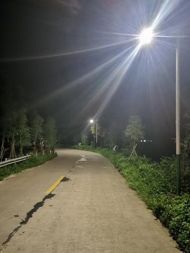 太阳能路灯照亮四川雅安汉源中华民族村庄