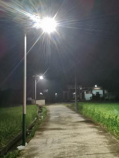 广东韶关始兴南方地区村70盏新农村太阳能路灯