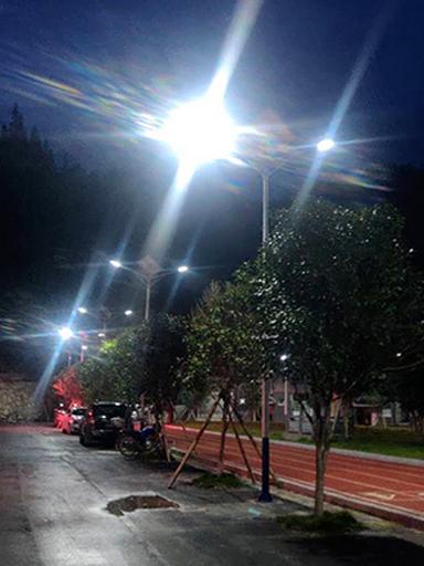 湖南省怀化市大高坪苗族乡社区工程新农村太阳能路灯