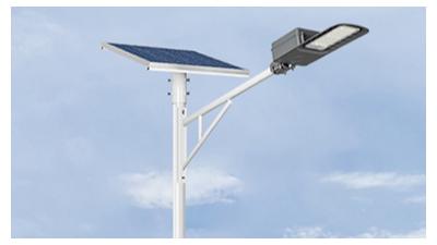 挑选led太阳能路灯时要考虑到亮灯功效危害因素